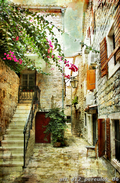 фотообои переулок улочка красиво